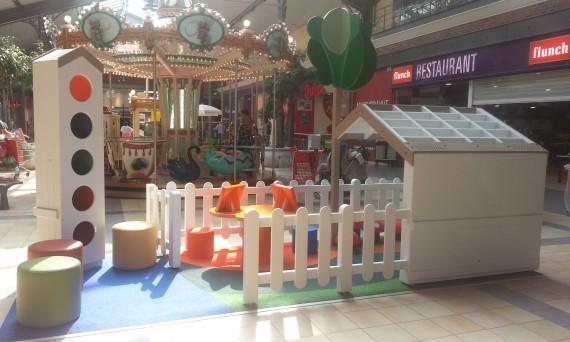 Aire de jeux centre commercial